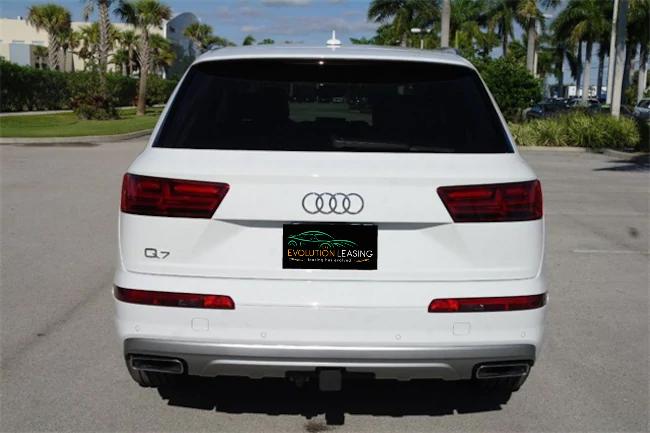 2019 Audi Q7 white 4
