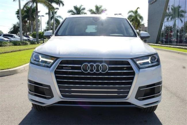 2019 Audi Q7 white