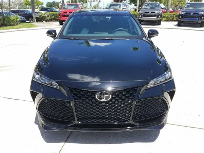 2019 Toyota Avalon Black 1