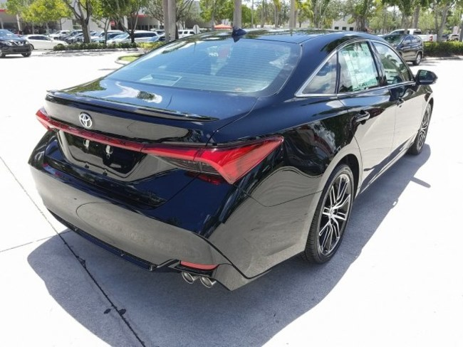 2019 Toyota Avalon Black 4