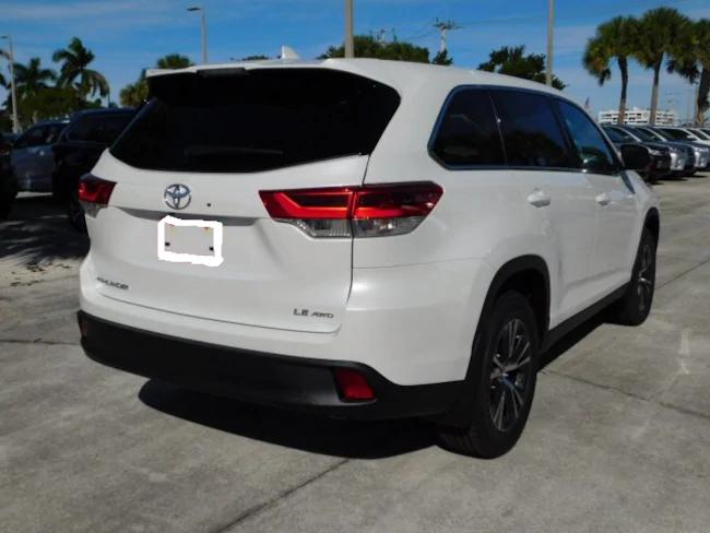 2019 Toyota Highlander white 4