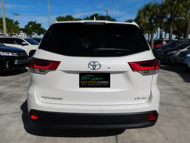 2019 Toyota Highlander white 5