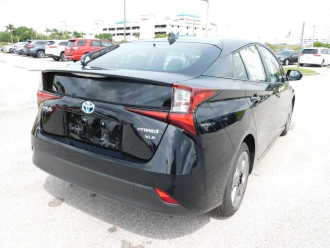 2019 Toyota Prius black 4