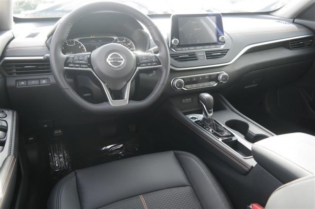 Nissan-Altima