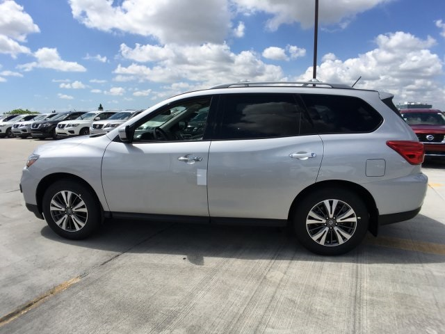 Nissan Pathfinder lease offers Miami, FL   Evolution Leasing