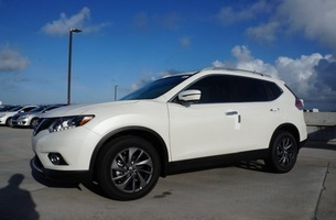 White Nissan Rogue Evolution Leasing