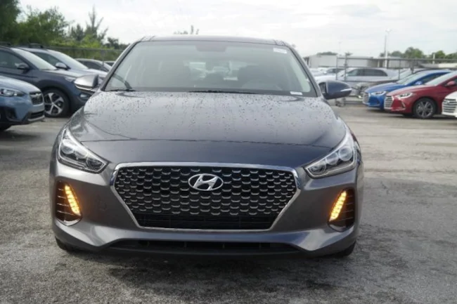 2019 Hyundai Elantra GT gray 1