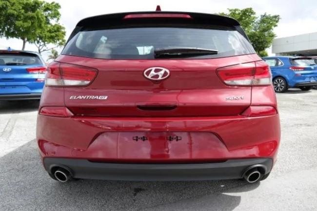 2019 Hyundai Elantra GT red 2