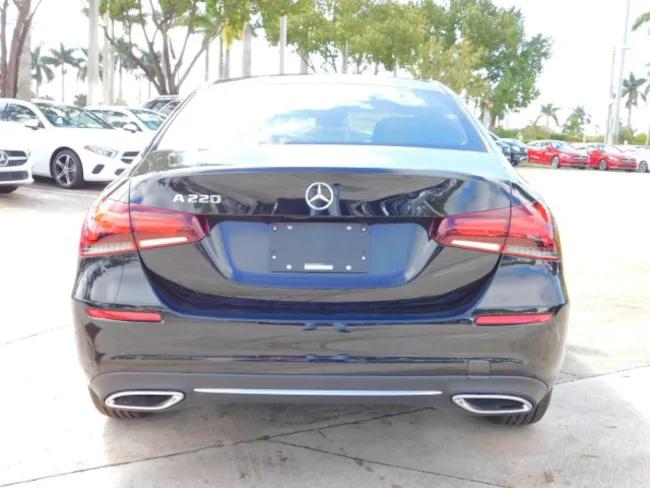 2019 Mercedes A-Class Black 5